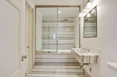 Marmurowe płytki w łazience